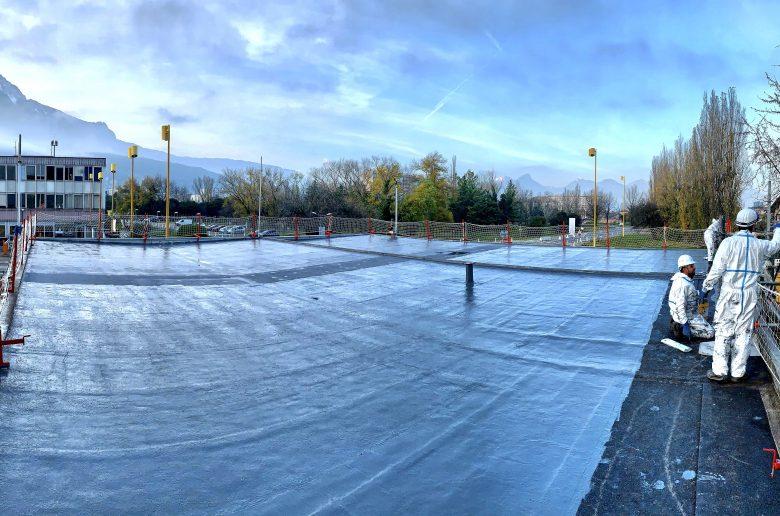 Rénovation de l'étanchéité d'une toiture terrasse en résine polyuréthane SEL sur 400.00 m2